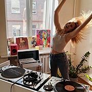 Vinyl Reflections at Home Музыкальный журнал Дарьи Коломиец