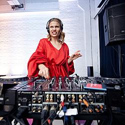 DJ-set для Amway Awards-1 Музичний журнал Дар'ї Коломієць