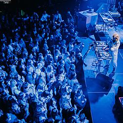 Розігріваю публіку перед концертом Jerry Hail-16 Музичний журнал Дар'ї Коломієць