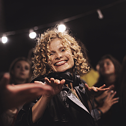 Daria Kolomiec. Вечірка на балконі-1 Daria Kolomiec Musical journal